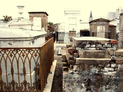 887104-st-louis-cemetery-no-1-0-tm