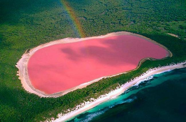 lago de aguas rosas